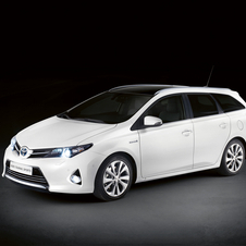 The Auris wagon is also available