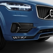 Front detail of the XC90 R-Design