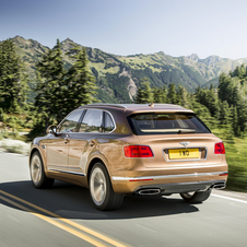 The Bentayga reaches 100km/h in 4.1 seconds, and a speed of 301km/h, surprising values ​​for a vehicle with 2422kg