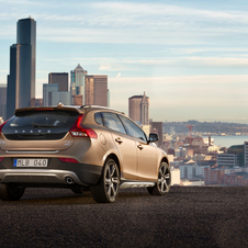 Volvo will focus on the V40 Cross Country because a compact crossover is years away