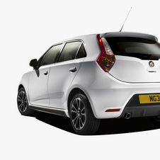 The MG3 gets a chunky rear with an integrated rear spoiler and simulated diffuser