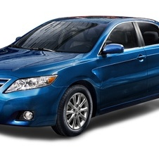 Toyota Camry SE 6-Spd AT