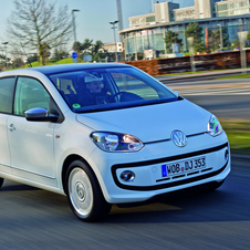 Volkswagen up!  1.0 white up! four-door