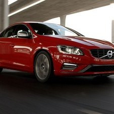 O V40, incluindo a variante Cross Country, é o segundo modelo mais vendido