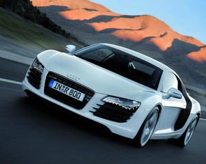 R8 4.2 Coupe quattro with Automatic R tronic