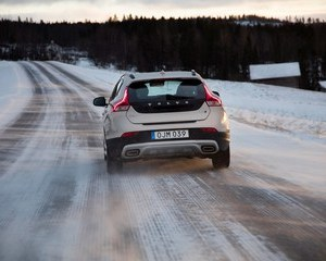 V40 Cross Country D2 Pro Geartronic