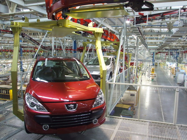 Peugeot is being held back by too many workers and underutilized factories