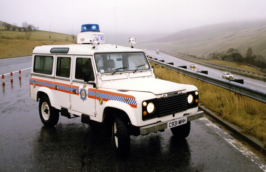 Land Rover Defender 110 Police